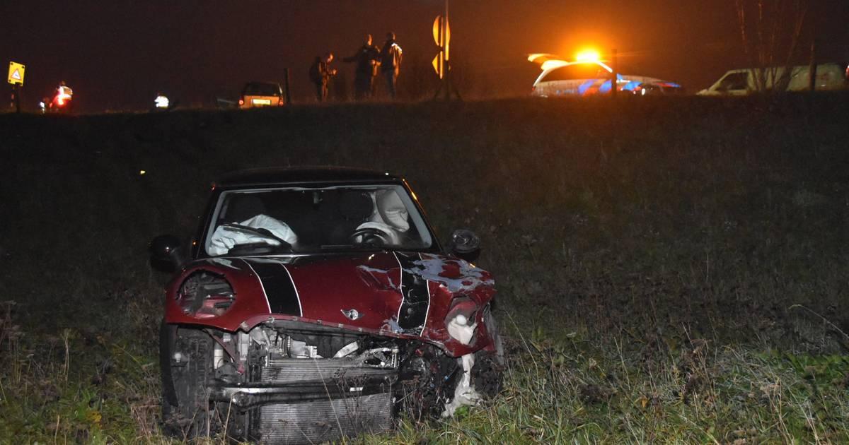 Ongeval op A32 tussen Steenwijk en Wolvega: auto belandt in de vangrail.