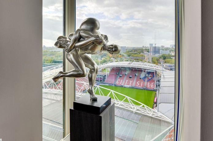 Het penthouse in Utrecht met uitzicht op stadion Galgenwaard.