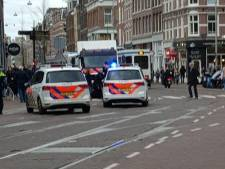 'Ondernemersruzie' op Amsterdamse markt met 'zwaard' beslecht: twee gewonden