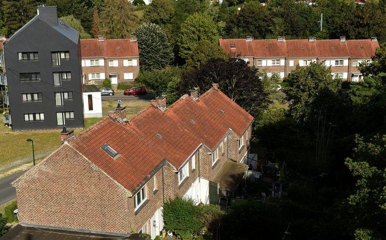Oude sociale woningen, zoals hier in Ukkel, zijn vaak slecht geïsoleerd. Beeld Photo News
