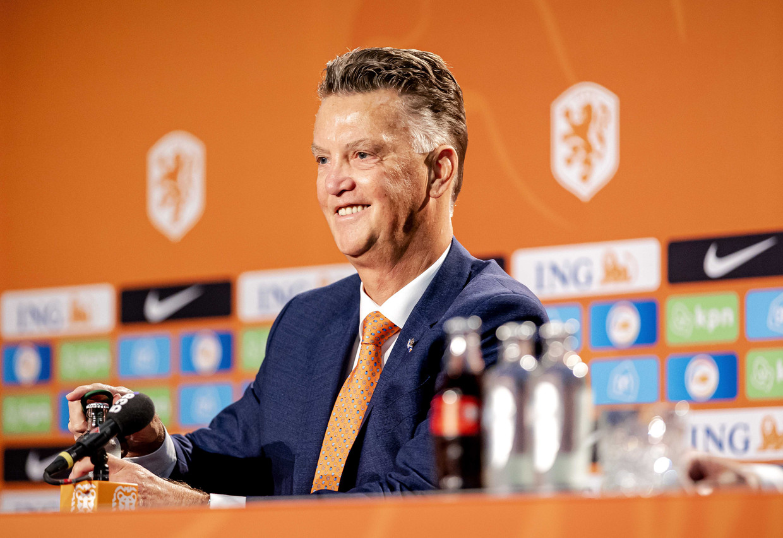Louis van Gaal wordt door de KNVB gepresenteerd als bondscoach van het Nederlands elftal. Beeld ANP