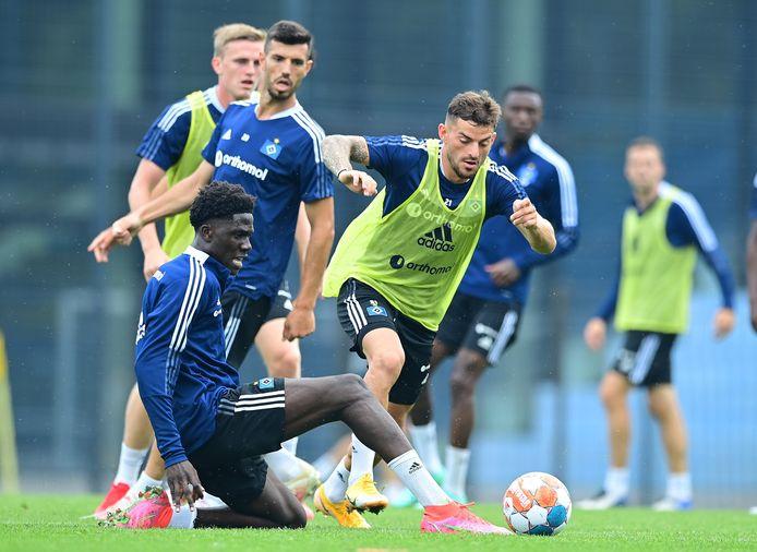 Amadou Onana twee weken geleden op training bij Hamburg.
