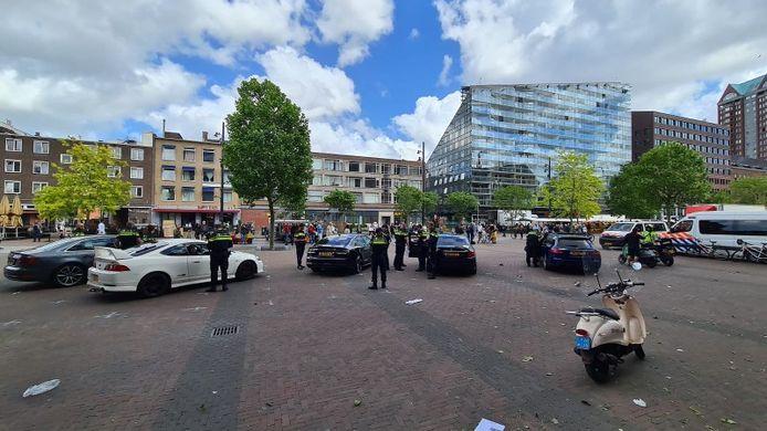 De politie houdt geregeld controles op op de Meent op sociaal rijgedrag, maar de overlast vond tot nu toe nooit 's avonds plaats.