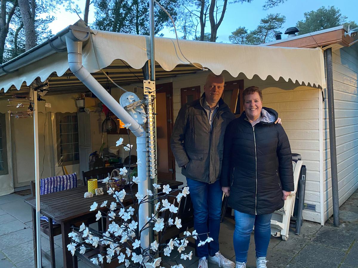 Vaste recreanten Patty en Herman Velthuijs op camping de Zwarte Bergen in Luyksgestel.