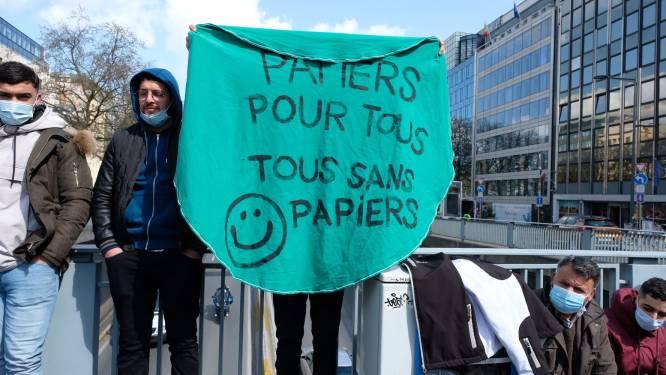 Zestigtal arrestaties bij betoging van mensen zonder papieren in Brussel