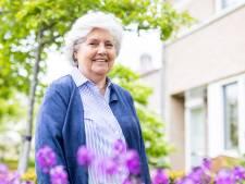 Treesje Ogier, trouwambtenaar te Oisterwijk, bergt na duizenden huwelijken haar zakdoekje op