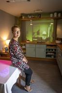 TT-2019-013075 - HENGELO - Into Dementia: cabine waarin mensen ervaren hoe het is om dement te worden. Op de foto Ine Bonke van Dementie Twente. EDITIE: ALLE FOTO: Robin Hilberink  RH20190916
