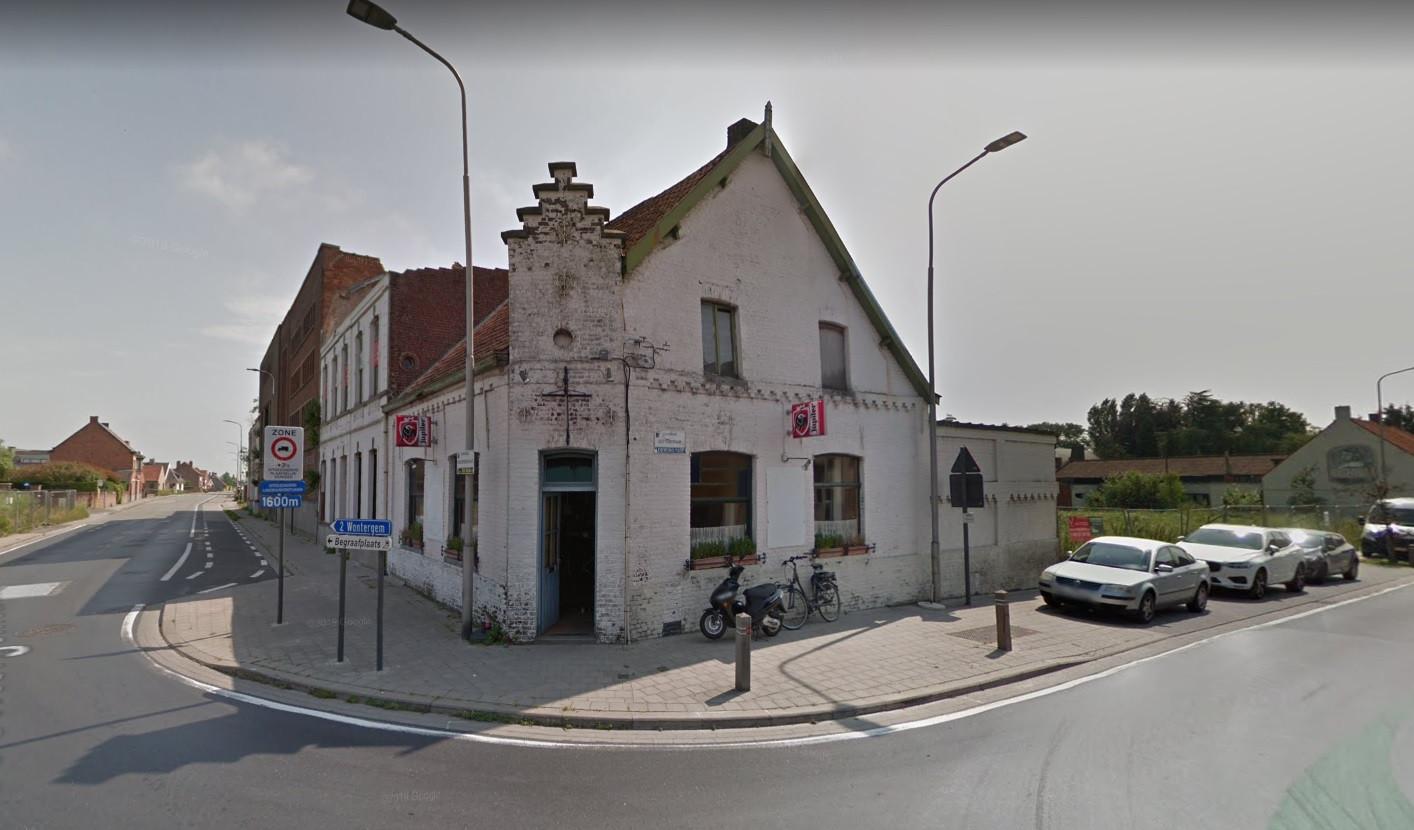 Café 't Brouwershuys in Dentergem hield zich niet aan de opgelegde sluiting.