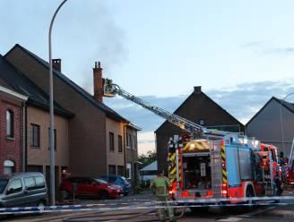 Woning onbewoonbaar na zware brand: gezin kan tijdig ontkomen