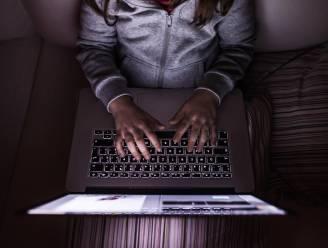 """Hoe voorkom je dat jouw kind online met verkeerde mensen omgaat? """"Léér hen kritisch te zijn"""""""