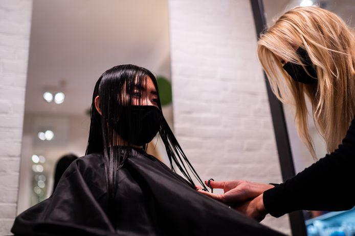 Kapsalon The Finest Hair Solutions in de Arnhemse Ruiterstraat.