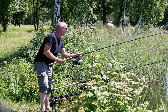 Vissers bij de Berendonck hebben last van naaktrecreanten. Hun grootste ergernis: seksende mannen.