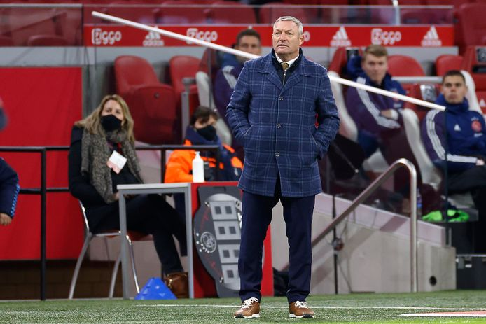 FC Twente-trainer Ron Jans tijdens de wedstrijd tegen Ajax in de Arena dit seizoen.