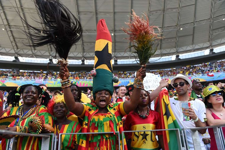 De Ghanezen werden net voor het duel via een geluidsinstallatie drie minuten lang toegesproken door de president Beeld AFP
