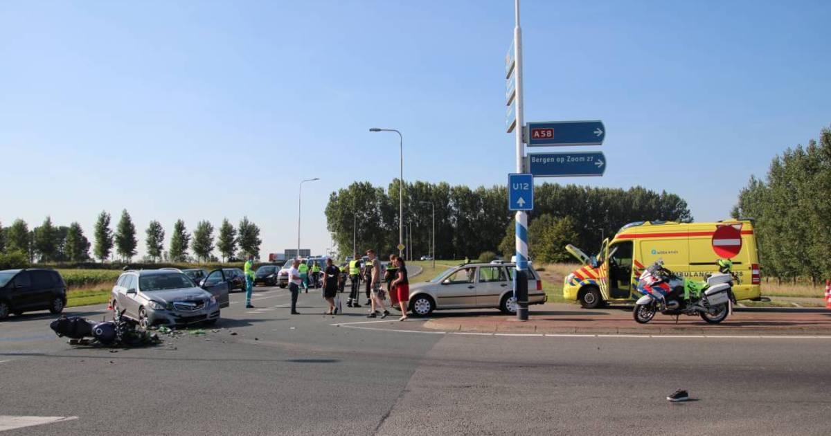 Motorrijder zwaargewond bij ongeval Kruiningen.