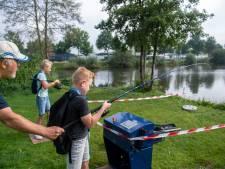 Rijssense jeugd leert vissen: 'Mijn moeder wil geen maden in de koelkast'