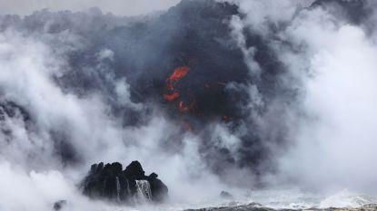 Al gehoord van 'laze'? Lava bereikt kust van Hawaï en dat leidt tot nieuw gevaar