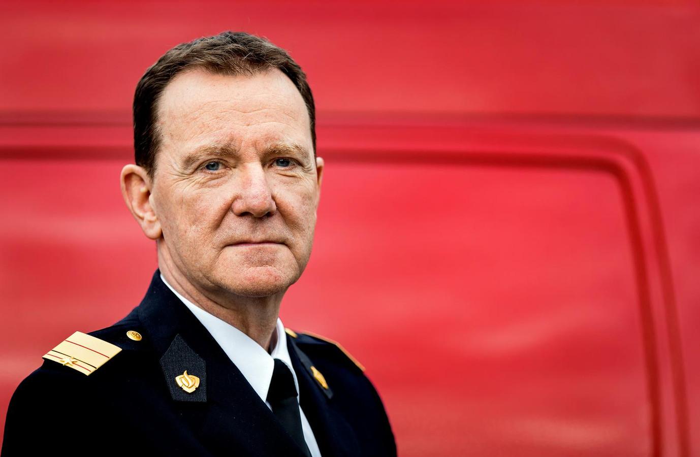 Het vertrouwen in Leen Schaap, commandant brandweer Amsterdam-Amstelland, is opgezegd.