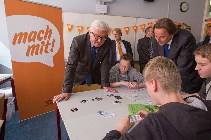 Minister Steinmeier uit Duitsland en Minister Koenders brengen een bezoek aan de Duitse sectie van het Christiaan Huygens College in Eindhoven
