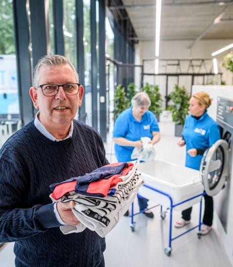 Nieuwe was- en strijkservice in Almelo komt met 30 klanten langzaam op toeren: 'Maar het gaat ons hier lukken'