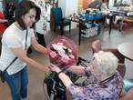 Kleurrijk Grijs (10): 'Ik koop bloemen op kleur'
