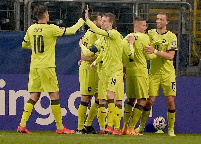 Tsjechië won zijn eerste match in de WK-kwalificatiepoule met 2-6 in Estland woensdag.