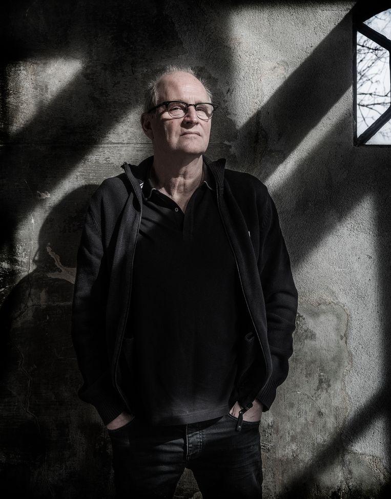 Herman Koch: 'Vroeger vond ik het zwak van mezelf om lui te zijn. Nu denk ik: die luiheid heeft me hier gebracht.' Beeld Patrick Post / United States Holocaust Memorial Museum