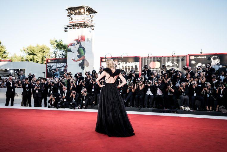 Woensdag gaat het rodeloperfestijn op het Lido in Venetië weer van start. Vorig jaar liep onder anderen Naomi Watts er. Beeld Getty Images