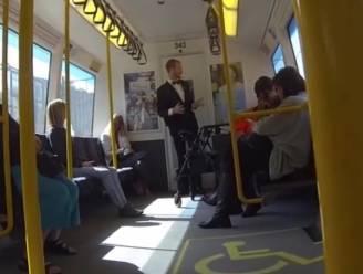 Zo krijg je een hele treinwagon aan het dansen