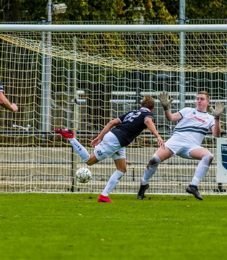 Een wedstrijd voetballen mag bijna weer, welke clubs komen meteen in actie op 26 juni?