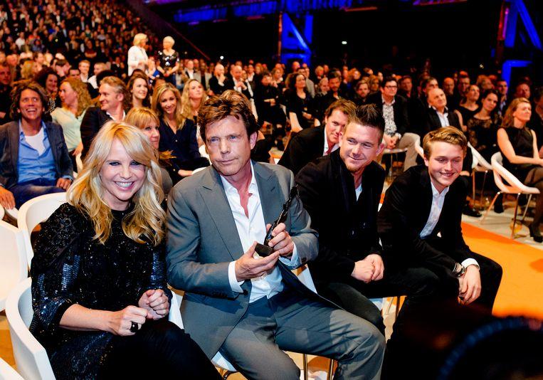 Linda, John en Johnny de Mol, Linda's zoon Julian Beeld ANP Kippa