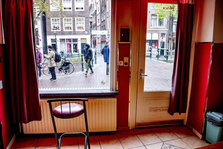 Zelfs de peeskamertjes op de Amsterdamse Wallen liggen er rustig bij.  Beeld ANP