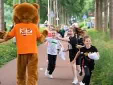 Tweehonderd kinderen in Breda rennen tijdens Kievitsloop 3350 euro bij elkaar voor KiKa