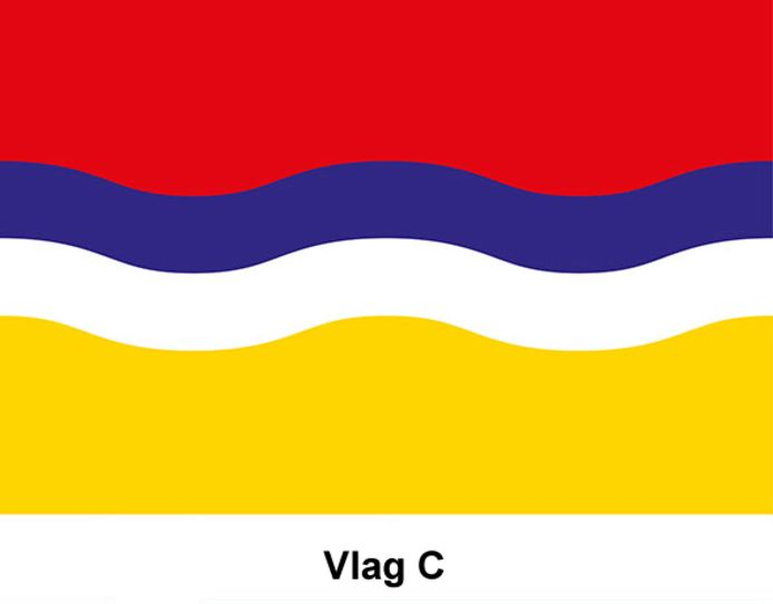 Vlag C. De gekozen kleuren komen uit de vlaggen van het Duitse Kleef en Gelderland. De golven staan symbool voor de Duitse grens aan de onderkant en het water van de rivieren aan de bovenkant. Dit is het enige ontwerp met een 'Duits tintje'. Op zich niet gek; de band met de Oosterburen is goed.