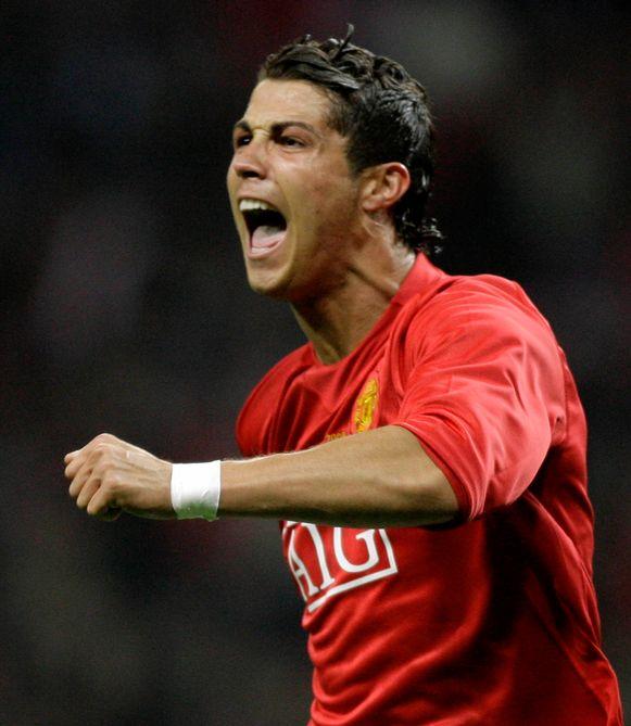 Cristiano Ronaldo viert het openingsdoelpunt in de finale van de Champions League tussen Manchester United and Chelsea, in Moscou, in 2008.