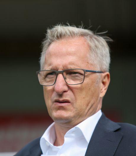 Nijmegenaar Eric Meijers langer trainer van Spakenburg