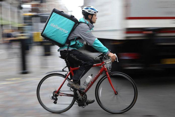 """Bezorgers Deliveroo zijn voortaan zelfstandig: """"Ze willen het zelf."""""""