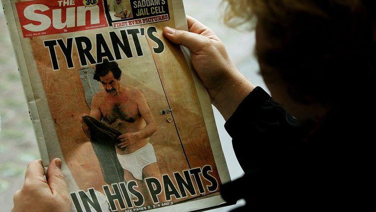 Een voorpagina van The Sun in 2005, met Saddam Hussein op de foto. © Reuters Beeld
