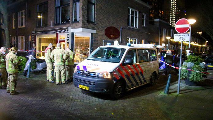 Onderzoek in de Patrimoniumdwarsstraat nadat Appie daar werd doodgeschoten.