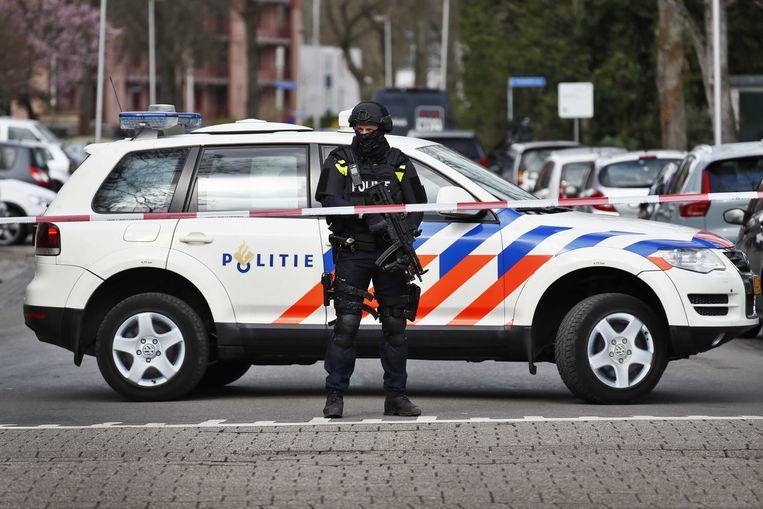 Speciale eenheden van de politie in de Trumanlaan. Beeld ANP