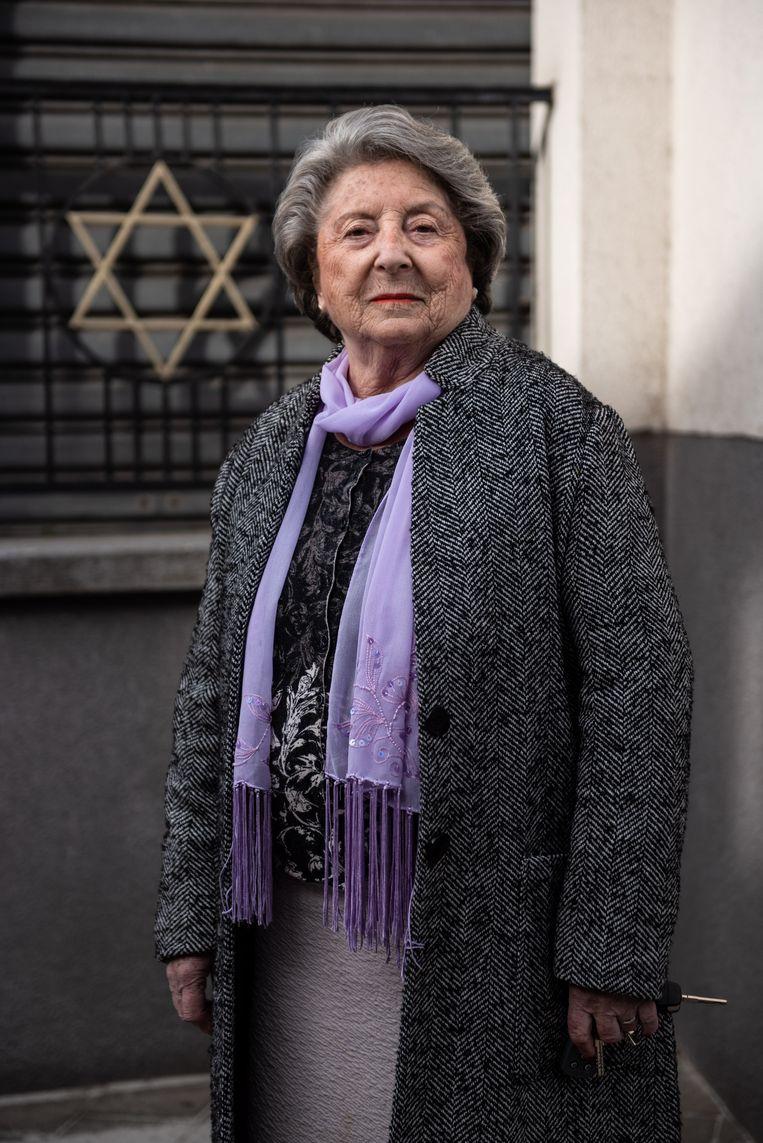 Regina Sluszny: 'Ikzelf heb de Tweede Wereldoorlog overleefd en ik vind dat beschaafde mensen toch íéts onder elkaar moeten kunnen verzinnen. Iets wat acceptabel is voor iedereen.' Beeld Wouter Maeckelberghe