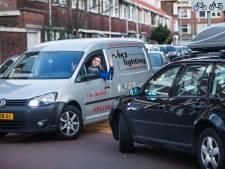 Betaald parkeren in Laak: 'Ik betaal honderden euro's, maar ik kan nergens een parkeerplek vinden'