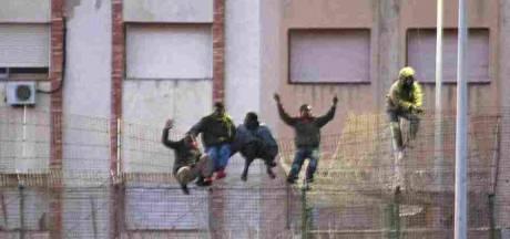 Plus de 200 migrants débarquent à Melilla
