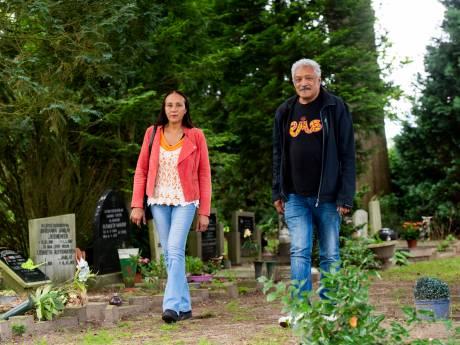 Erkenning voor (groot)ouders Voorster Molukkers met beschermde grafstatus: 'Jammer dat ze dit niet meer meemaken'