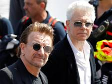 U2-bassist Adam Clayton vader geworden