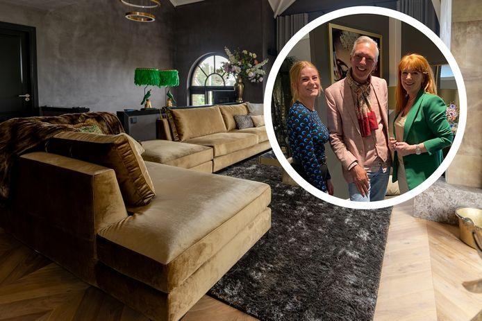 Martien Meiland kocht zijn opvallende gouden meubels bij Maison Manon in Enschede.