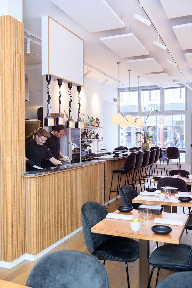 Het interieur van restaurant Portfolio, Prinsestraat in Den Haag. Beeld Els Zweerink
