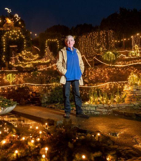 Corona hakt erin bij Ampie (80): is dit de laatste keer dat zijn tuin wordt omgetoverd tot kerstparadijs?