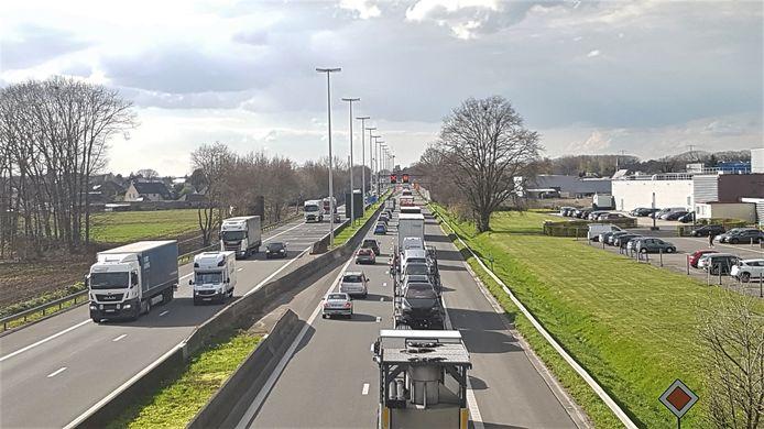 Door de werken aan de brug in Oevel staan er regelmatig files op de E313.