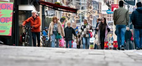De Arnhemse binnenstad begint weer wat te bruisen dankzij het 'winkelen op afspraak' en opening van de kapsalons en nagelstudio's
